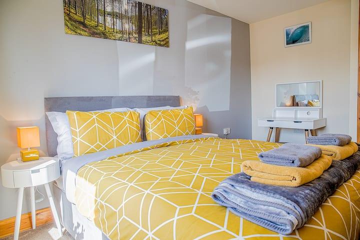 Modern 2 bedroom garden flat