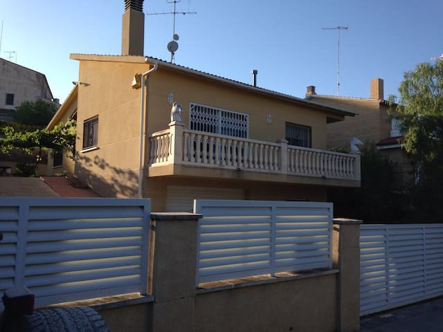 House independent with garden - Sant Pau d'Ordal - Ev