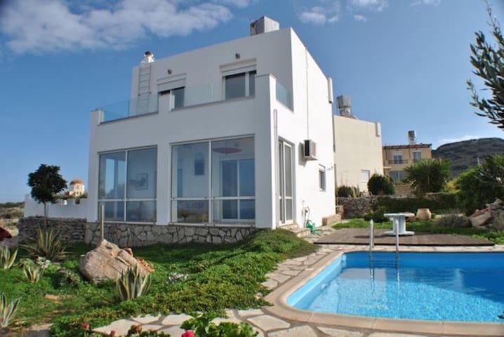 Maison vue mer 160° piscine privée - Epano Loumas - Rumah