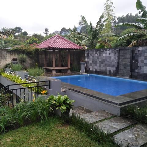 Villa near taman safari 3BR @ cisarua