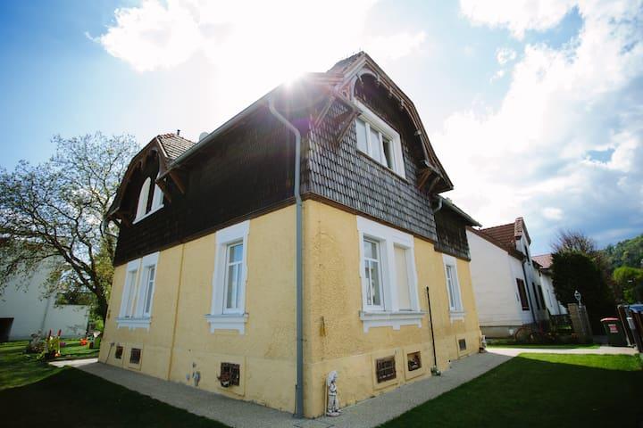 Sonniges entzückendes Einfamilienhaus in Graz - กราซ - บ้าน