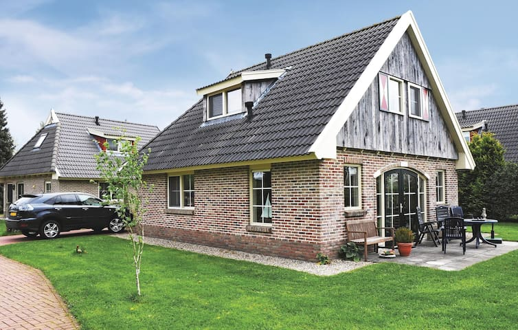 Holiday cottage with 2 bedrooms on 80 m² in Winterswijk