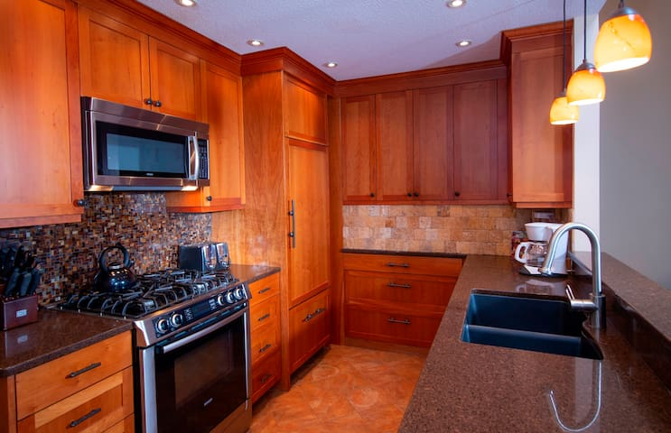 *NO GUEST SERVICE FEE* 2Br- Remodeled Kitchen in Kettle Brook- Okemo