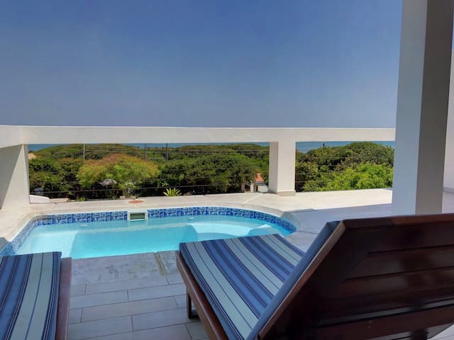 Spectacular oceanview modern self-catering Cabana2