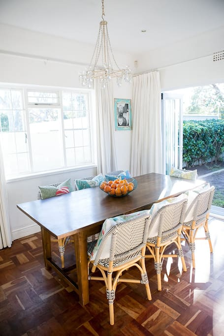 Diningroom with 8-seater table