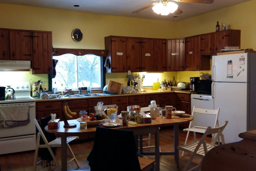 Spacious Country Kitchen - breakfast included with your stay