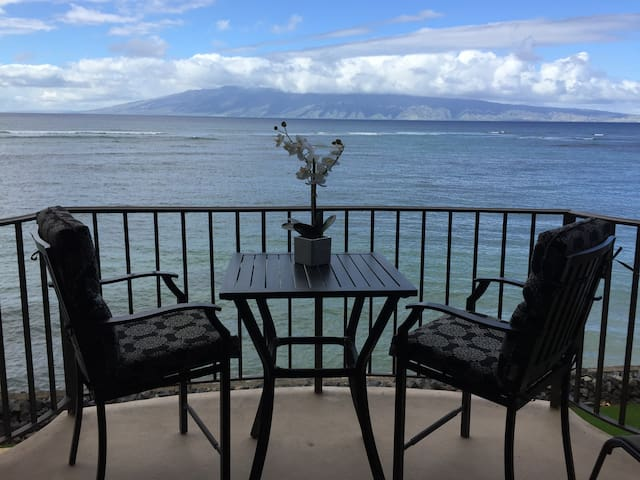 Exceptional Maui Oceanfront - Lahaina - Apartment