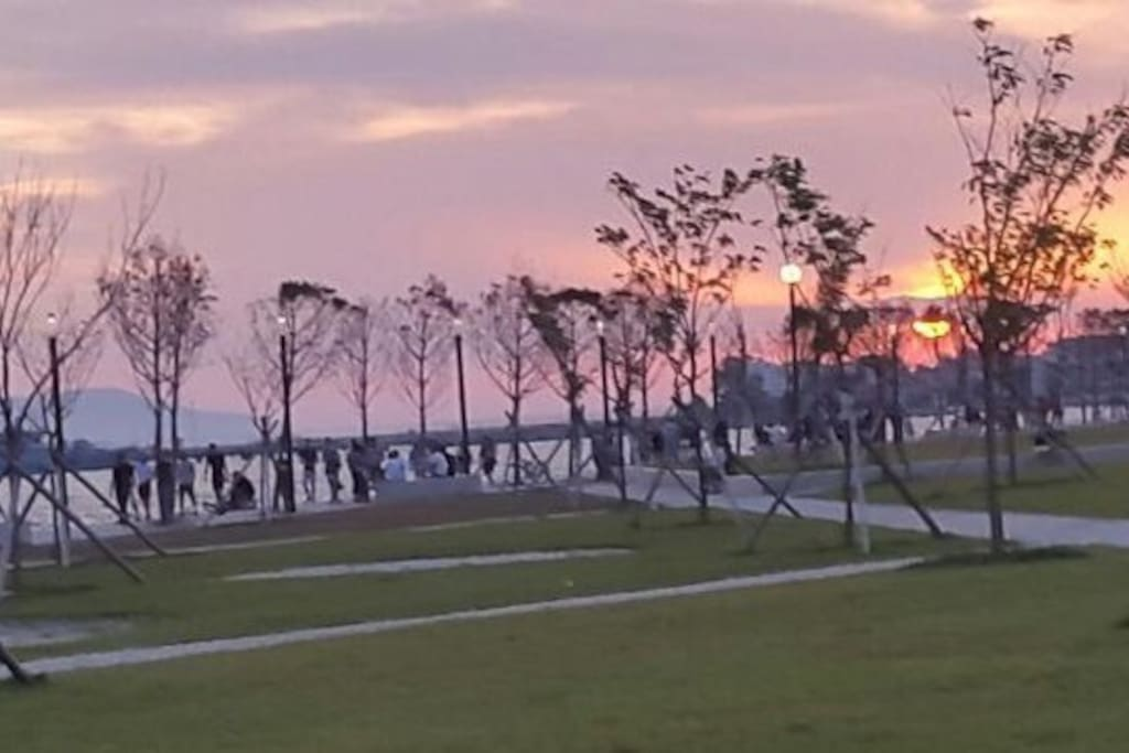 Park in lungo mare