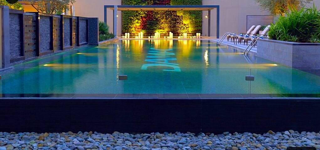 Luxury studio close to Burj Khalifa - Dubai