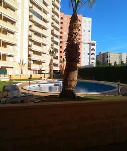 Apto. con terraza y piscina cerca de las 2 playas - Oropesa del Mar - Apartemen