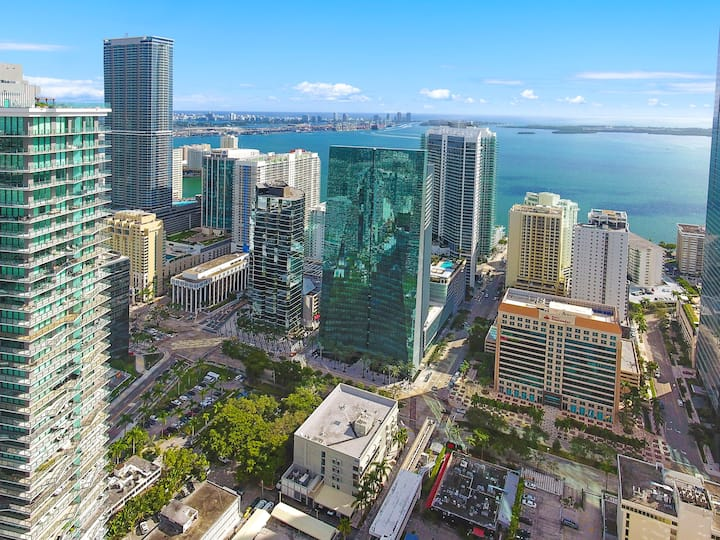 Lavish Luxury Brickell Apartment @Conrad