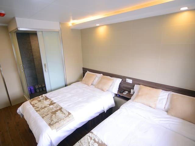 Central Mongkok Cozy Flat for 4 pax