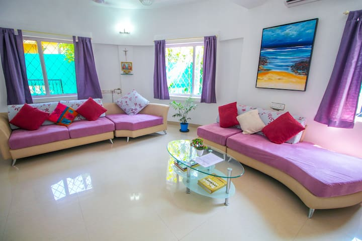 luxury Family Villa with Private Pool near beaches
