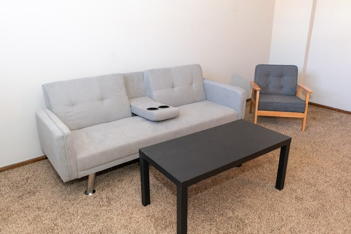 Cozy 1-Bedroom Close to NDSU and Downtown (APT 2)