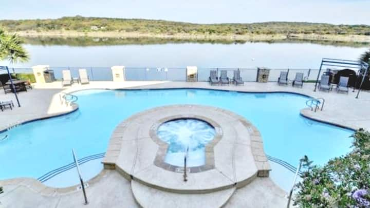 Island Lake Travis,TX - Marvelous Courtyard RMG II