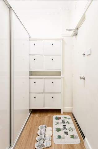 Quiet cozy studio from Surry Hills close to City