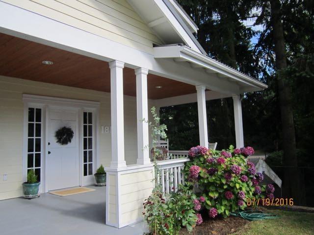 Historic home in quiet neighborhood. - Kirkland - House