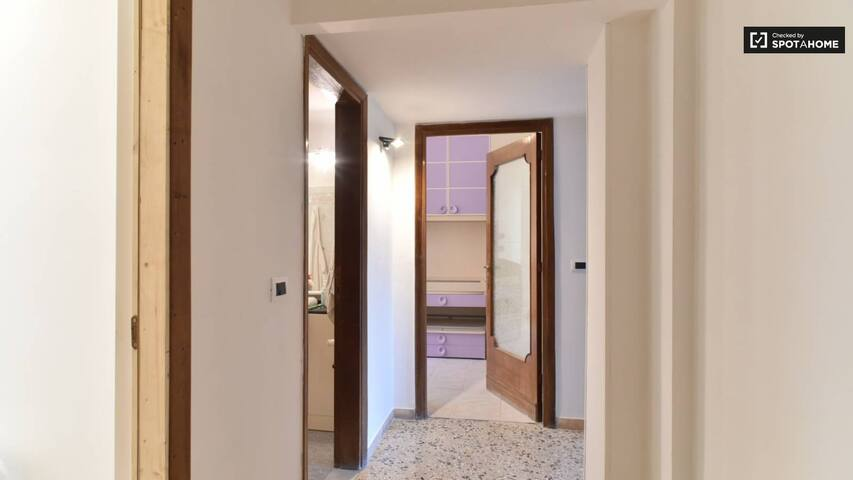 Single room for rent in the center of Roma