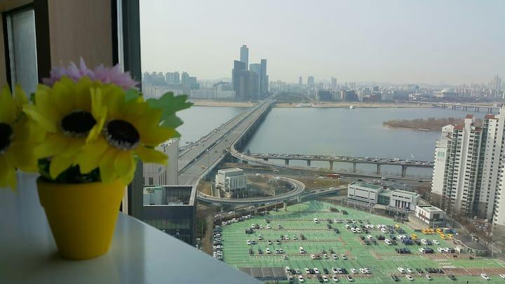 Seoul Mapo, HanRiver and City View.