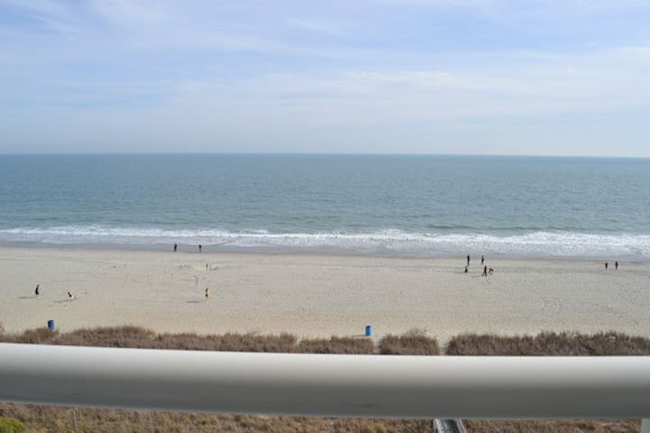 Oceanfront 3BR, Best location, Park on same level