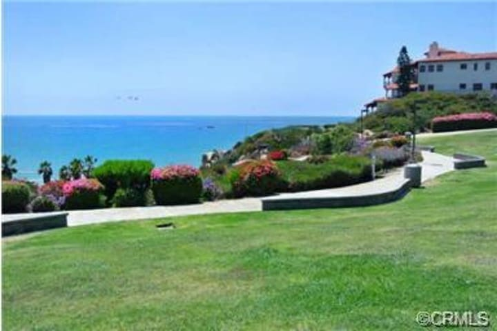 Located Across from Ocean Front Park 1 - San Clemente - Huoneisto