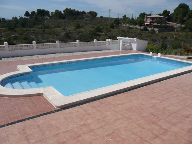 Beautiful Villa with Private Pool (Alberic)