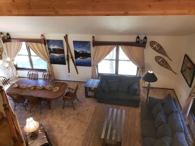 Heaven: The biggest best vacation lodge, sleeps 24