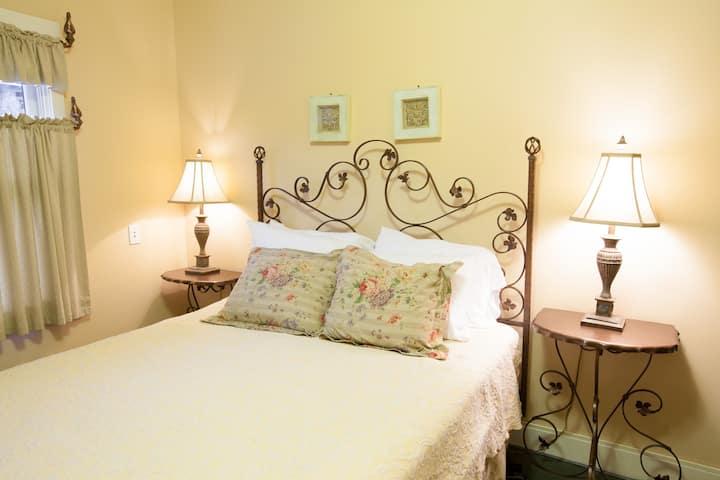 Oak Street Hotel - Room 6