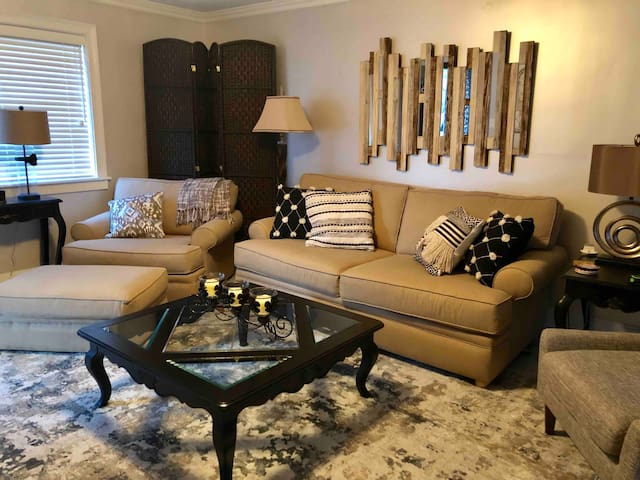 Home away from home condo in the heart of Columbia