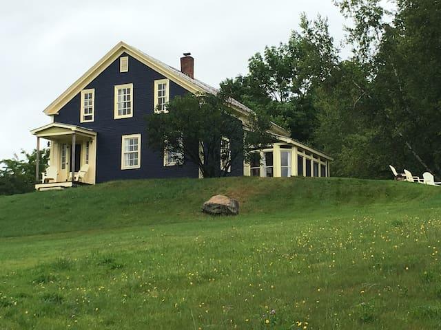 Rooms in Classic VT Farmhouse - Jay Peak Ski/Bike - Montgomery - House