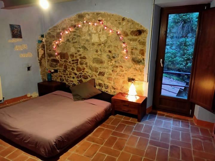 Habitació de pedra al centre de Besalú