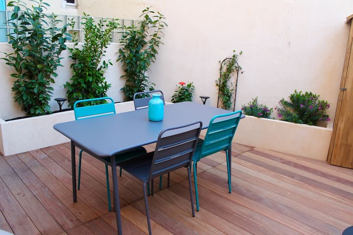 Appart 2 rooms beautiful terrace next to the sea - Marselha - Apartamento