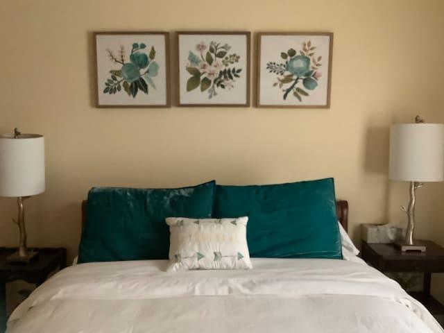 West bedroom.