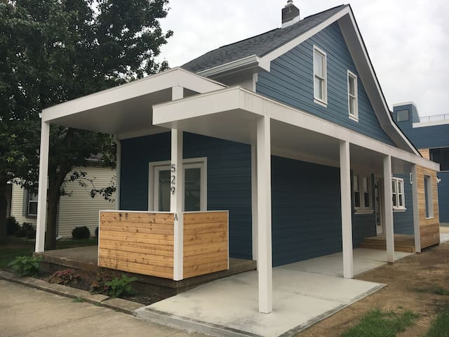 Great Downtown Location 3 BR Home