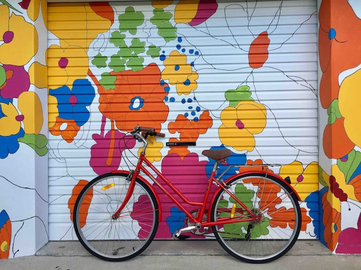 BAY cute studio-outdoor bathroom-bikes-wifi-washer