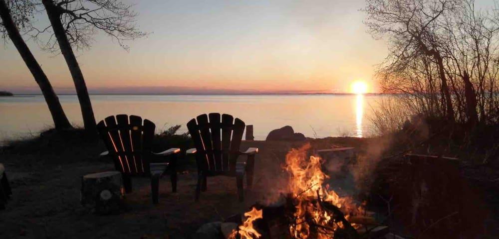 Unbelievable Lakefront Sunsets!
