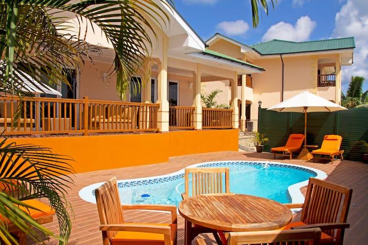 Three Bedroom Apartment - The Palm Seychelles