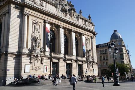 Duplex Standing Lille Opera