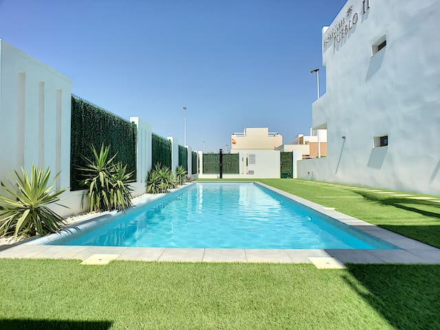 Ground floor, modern, WiFi, direct access to pool