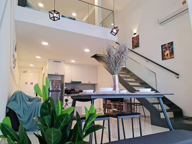 EkoCheras Loft suite . Enjoy SkyPool KLCC view
