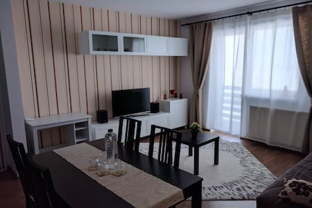 Cozy apartment in a quiet & safe residential area - Sânpetru - Διαμέρισμα