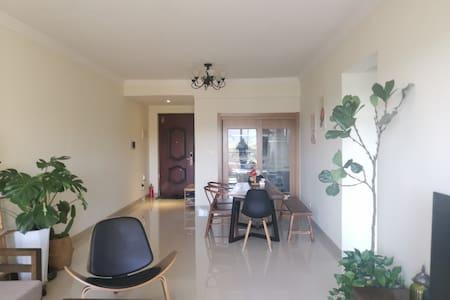 梅州客天下景区漫城小筑3房公寓