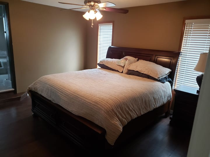 Comfortable Executive Quality,  Quiet home