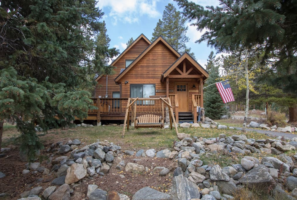 Breck bear cabin 3b 3b 2 hot tub wifi houses for rent for Breckenridge cottages