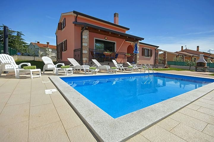 House Sime 2 with swimming pool