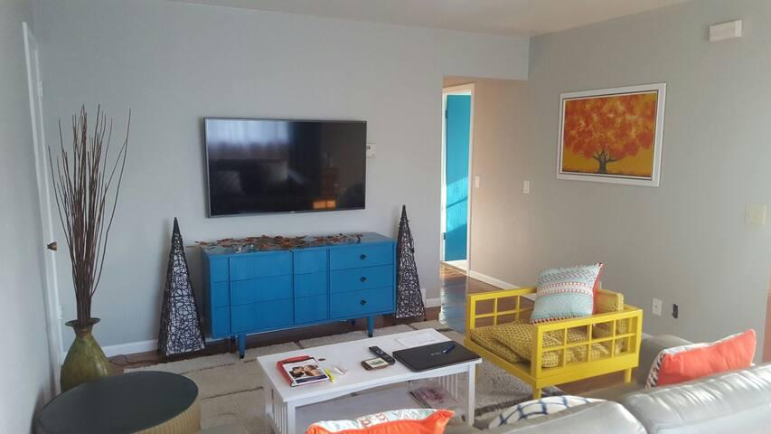 Colorful, spacious, safe and cozy! - Мэдисон - Квартира