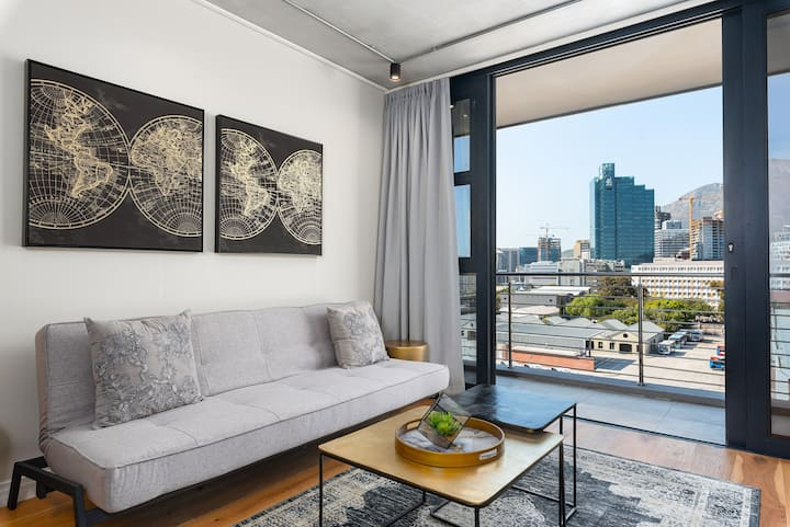 Iconic living at Docklands Luxury apartments