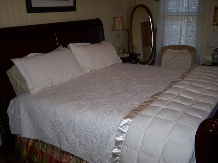 Roseville Bed & Breakfast - Jacob Room