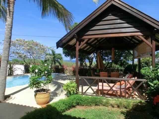 Villa familiale avec piscine villas for rent in tamarin for Chalet avec piscine