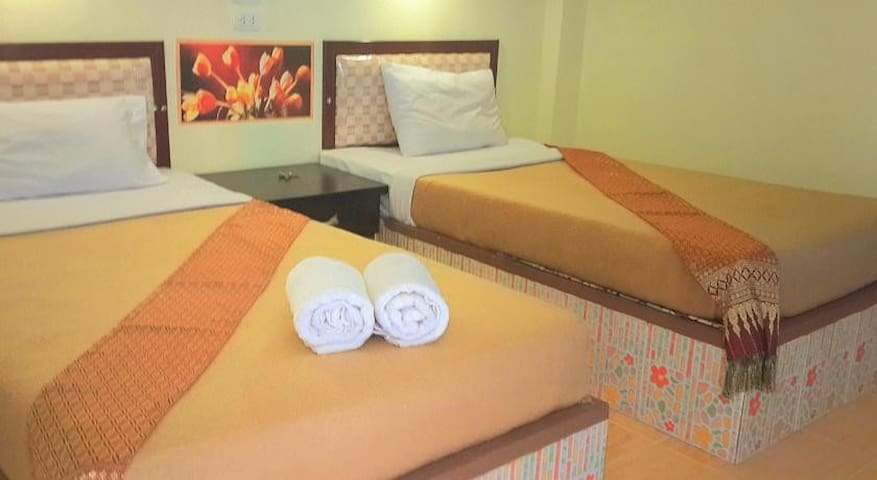 Twin Room with airconditioner - Apartemen